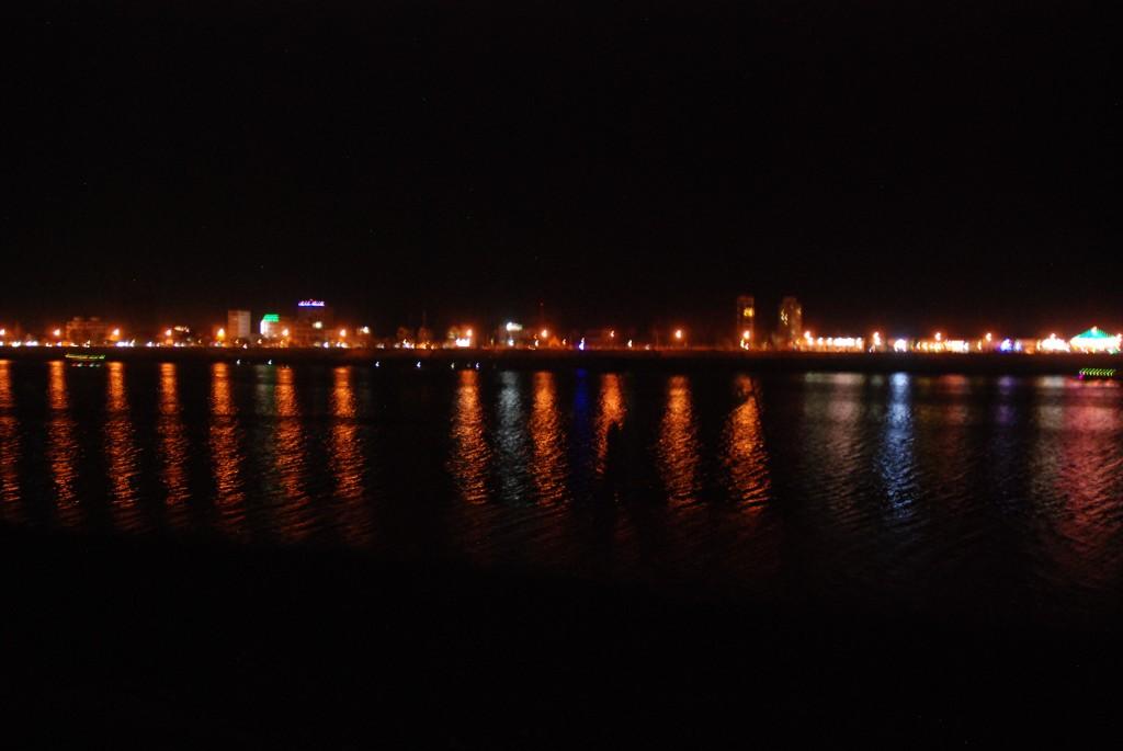 Biển hồ Tonle Sap về đêm